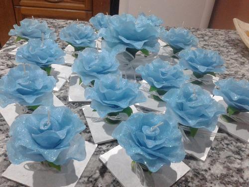 velas en forma de rosas