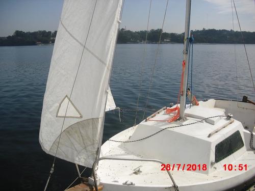 veleiro arcoa 18 pés com velas e motor central diesel