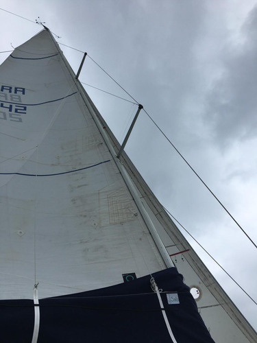 veleiro delta 32