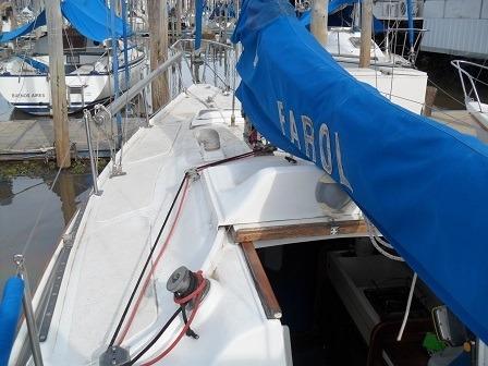 velero alpha 25 con motor mercury 9.9 hp 4t