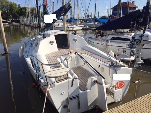 velero bramador 26 año 2016 con volvo diesel 12 hp v. hood