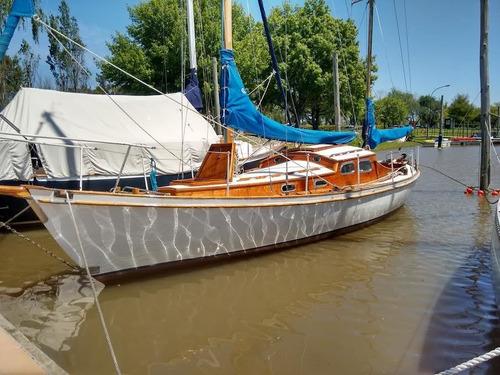 velero clasico de madera. ballenera de frers.