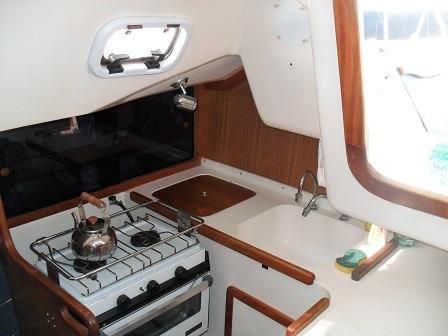 velero fayd 31 c/ motor yanmar 21 hp (50 hs helice plegable)