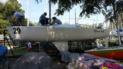 velero j24 nuevo, muy poco uso