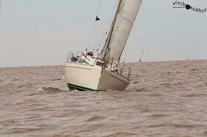 velero pilot 3000 (pandora 260) eslora 7.60mts calado 1.30
