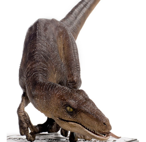 velociraptor crouching - 1/10 - jurassic park - iron studios