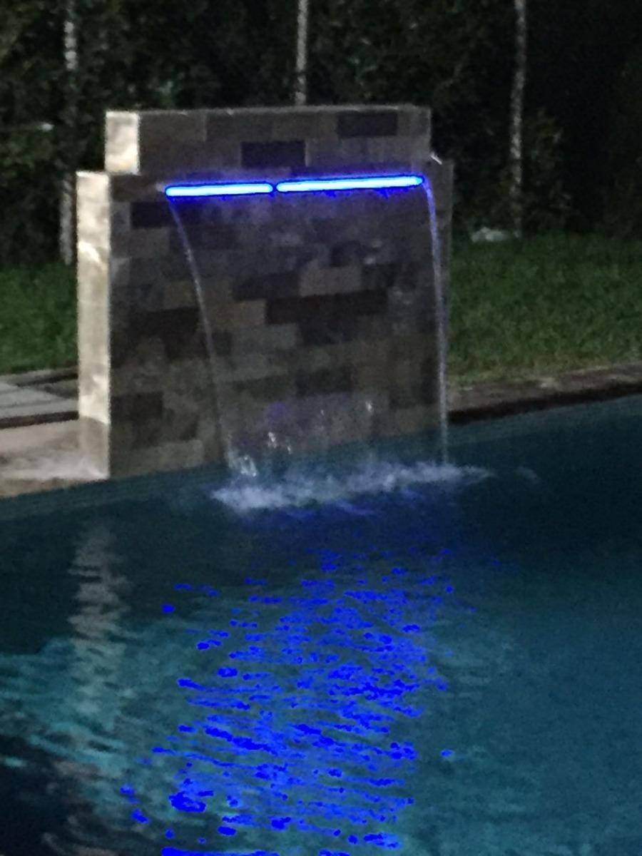 Velos de agua cascada de piscina cascada de acero s 10 for Cascadas artificiales de agua para piscinas