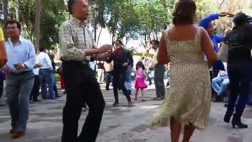 ¡ven, baila son cubano, salsa... en el centro de la ciudad!