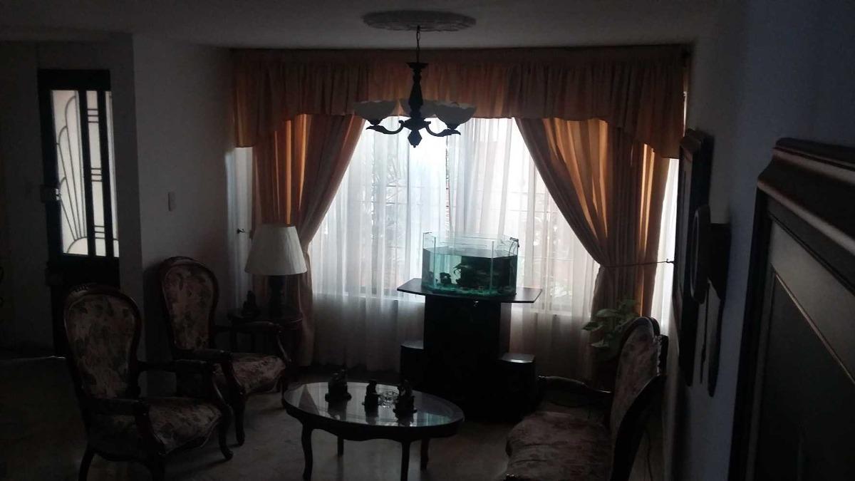 ven-permuto casa amplia y dos apartastudios