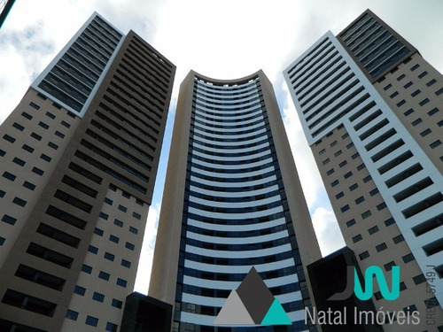 venda de apartamento em candelária, no porto arena, com 3 quartos mais dependência completa e linda vista olhando para ponta negra - ap00003 - 2520379