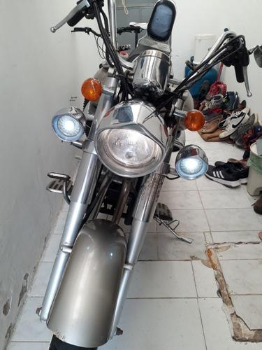 venda de moto bem conservada! ou troco por moto maior.