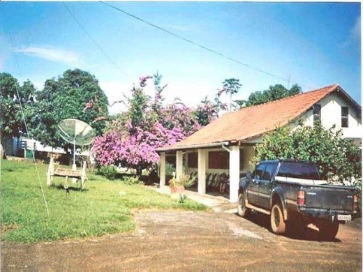 venda fazenda de 2373 hectares em flores de goiás (4000/618)