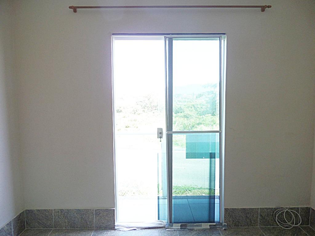 venda ou aluguel,apart 1º andarc/varanda,acesso à pé à praia
