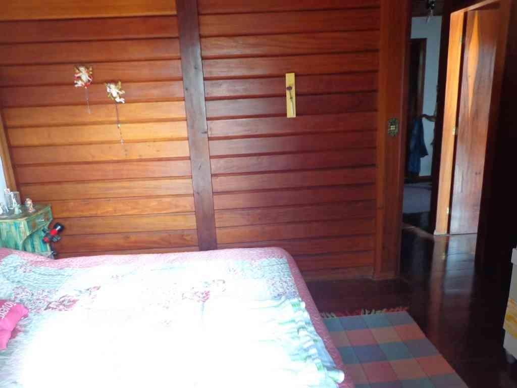 venda sobrado com 03 dormitórios sendo 01 suíte cond. aruã