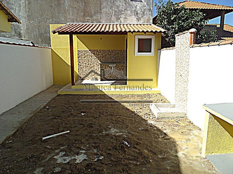 venda,ou,aluguel, casa c/área externa c/lavabo em maricá.