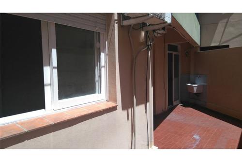 vende 2 ambientes con patio caballito sur