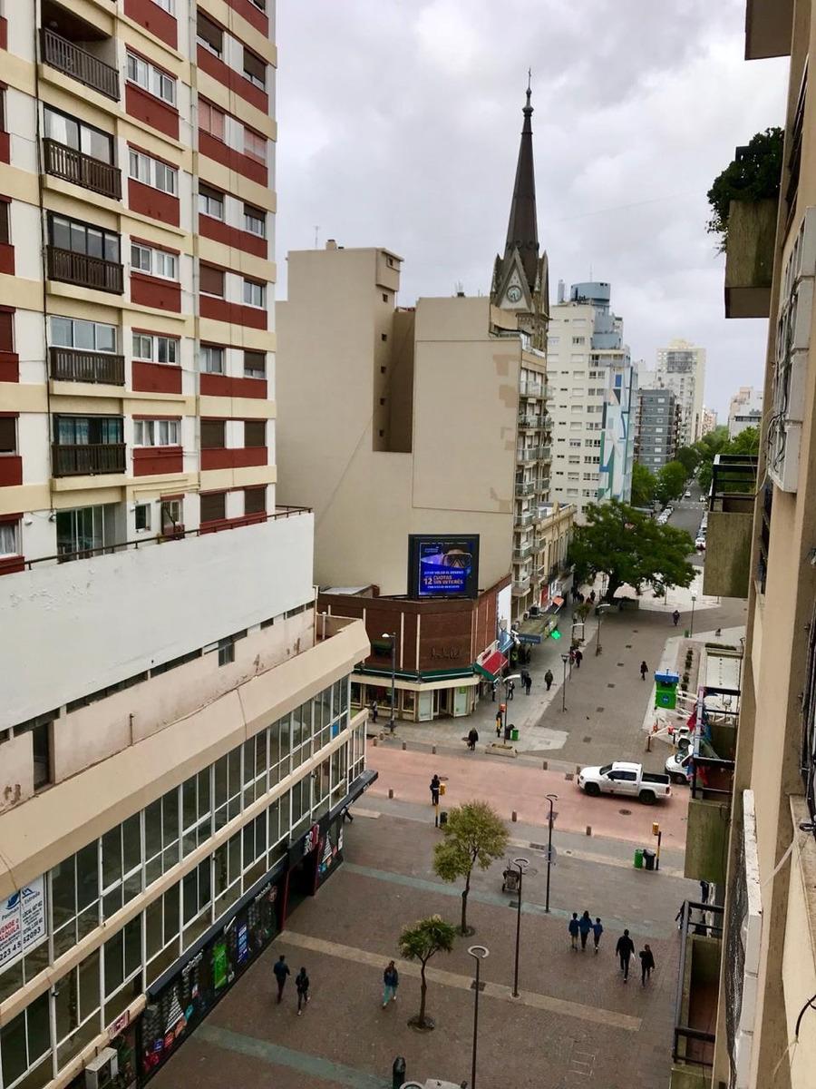 vende 3 ambientes a la calle peatonal san martín