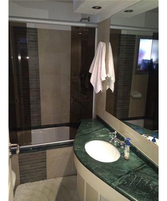 vende apartamento 2 dorm. 2 baños estufa de leña