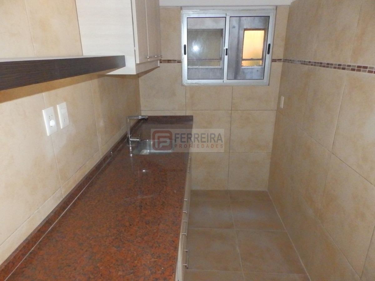 vende - apartamento de 1 dormitorio con balcón y placar