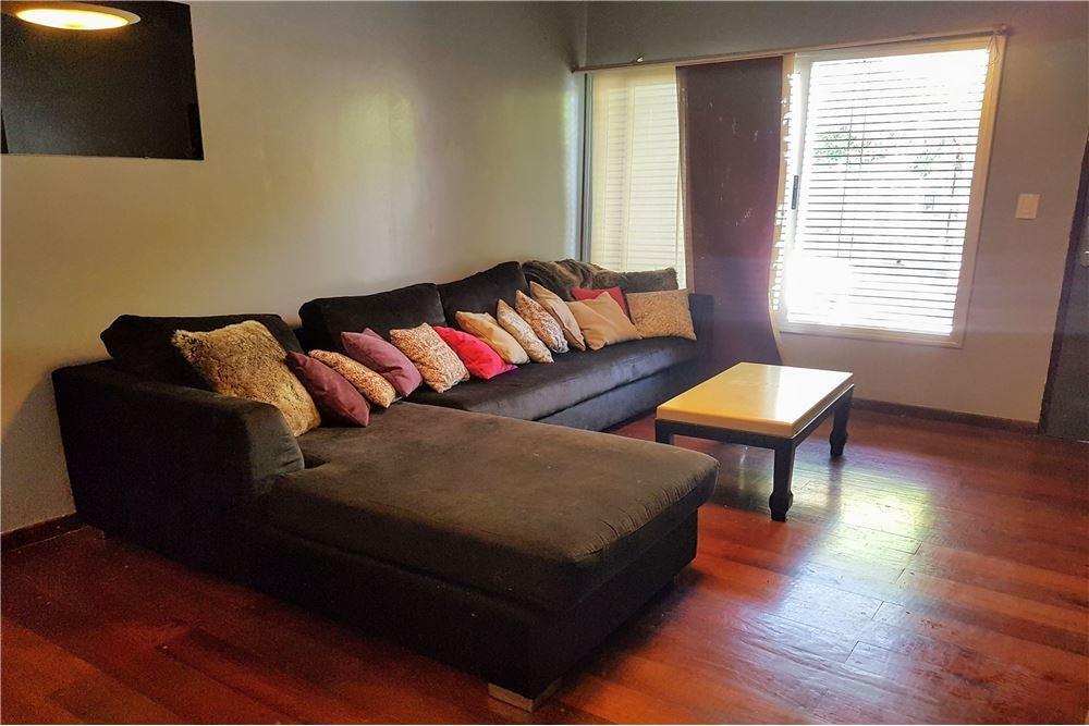 vende casa 3 dorm + pileta bº maipu apto credito