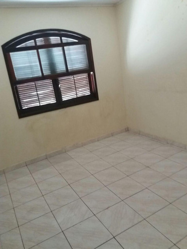 vende casa  cômodos e garagem  na av. brasil 190 mil