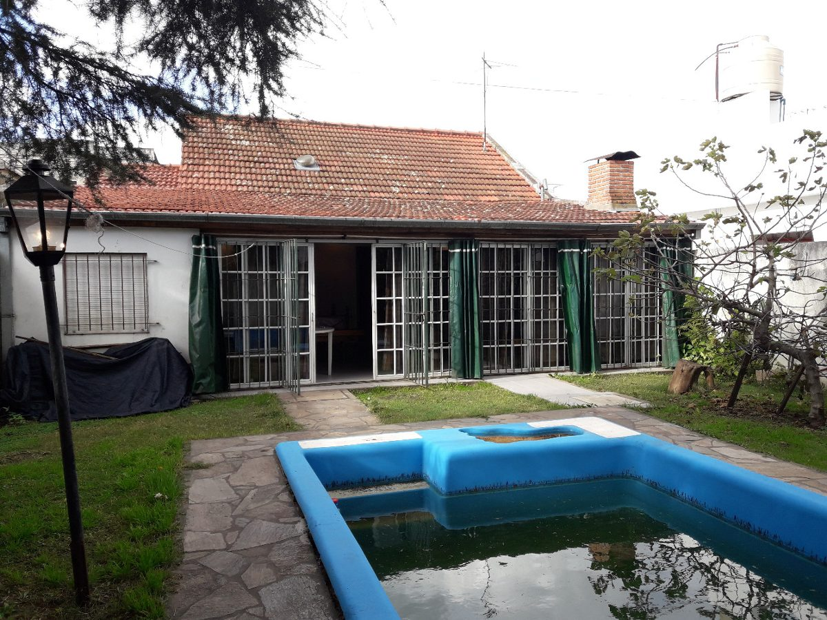 vende casa con local luis guillon