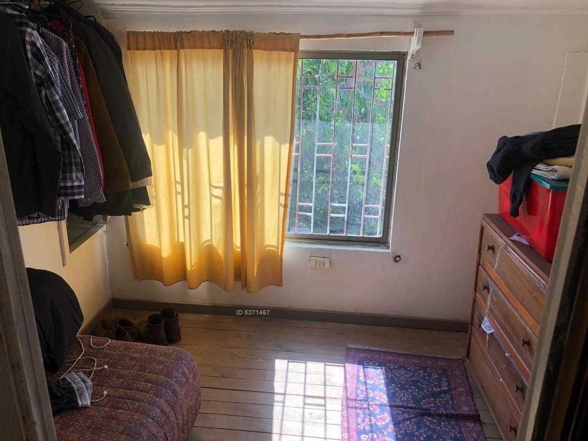 vende casa de 2 pisos. sector las naciones