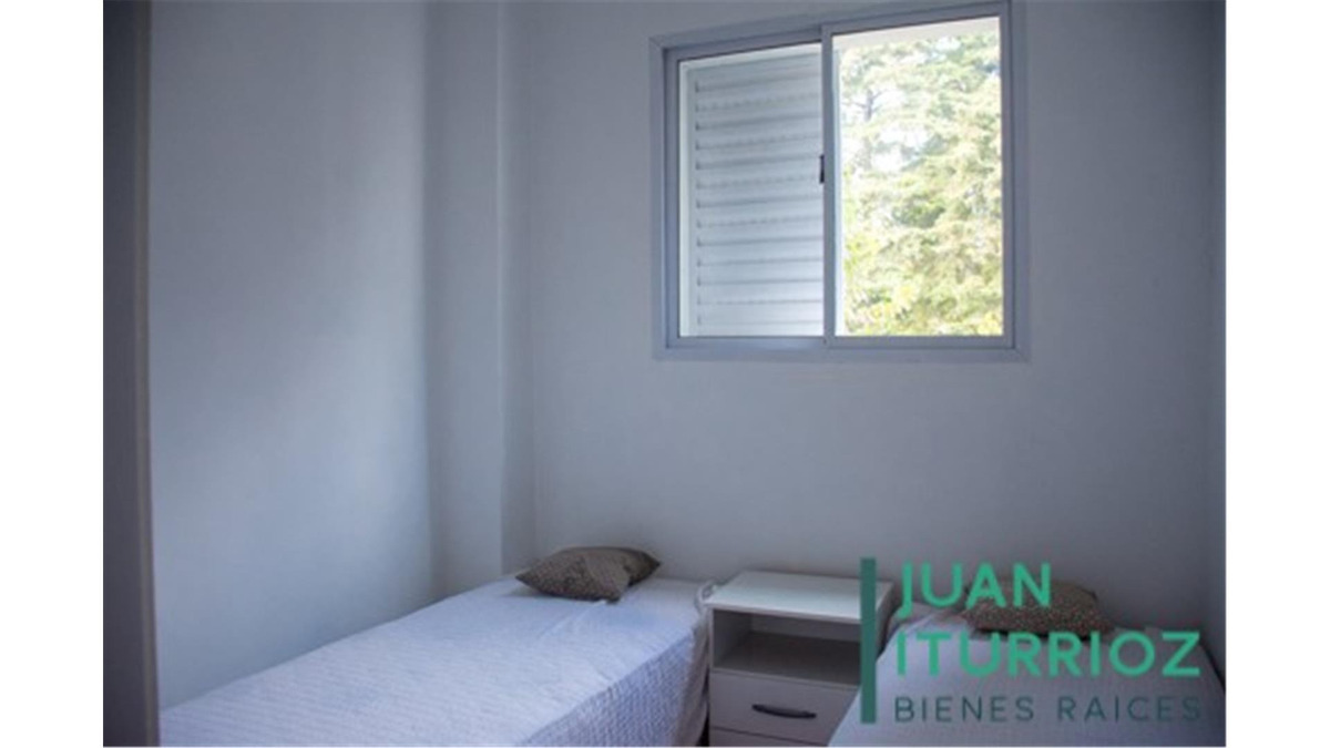 vende casa en villa elisa, 13 entre 421 y 421bis, 5 dormitor