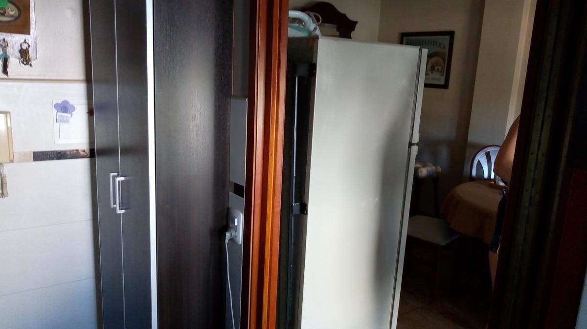 vende exc, dpto 3 ambientes con cochera a 5 c/estacion moron