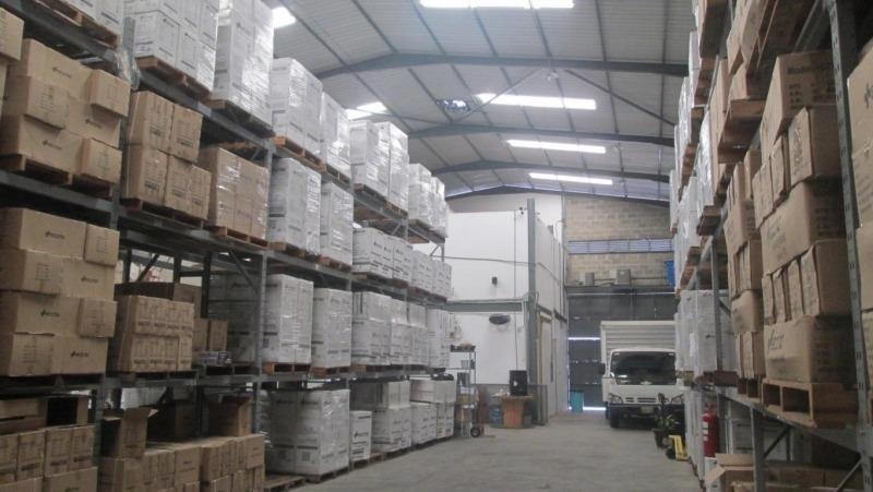 vende galpon en zona industrial castillito