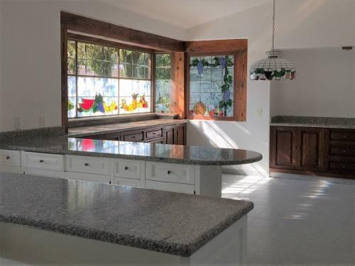 vende hermosa y funcional residencia en rancho san francisco