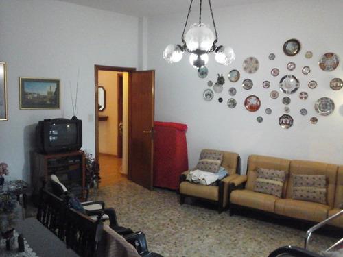 vende local + gran casa en 1er piso