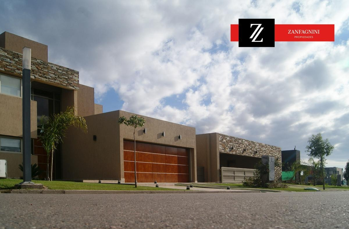vende lote 300 m2 en cortaderas 3 apto duplex