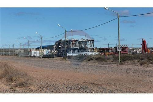 vende lote parque industrial centenario 1300 m2