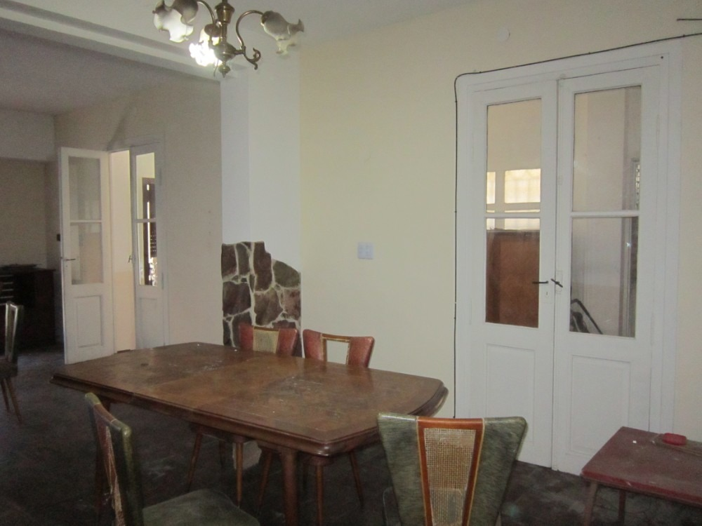 vende o permuta casa inglesa 5 ambientes