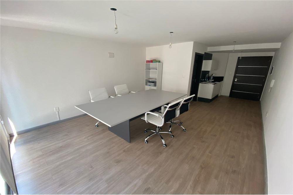 vende oficina en pocitos nuevo con renta