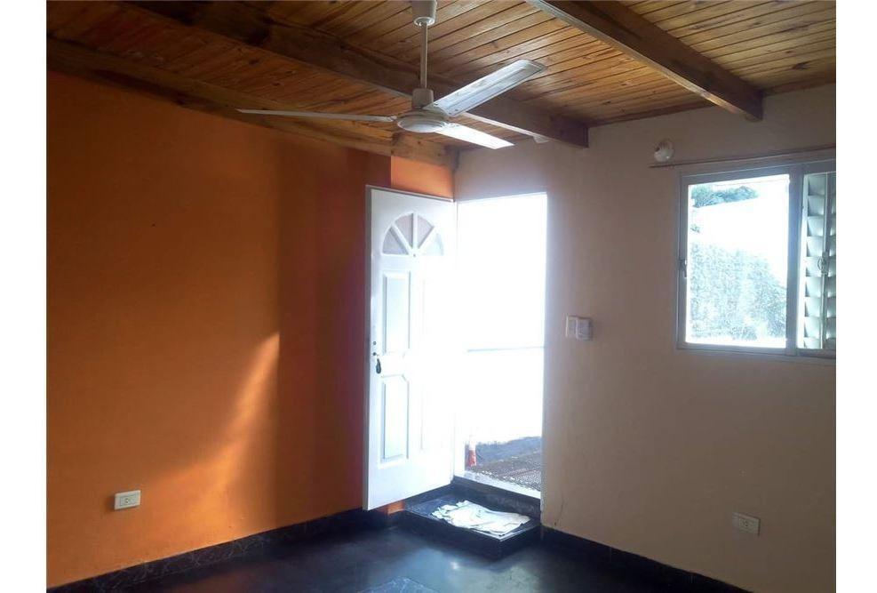 vende propiedad con 3 departamentos, villa sarita,