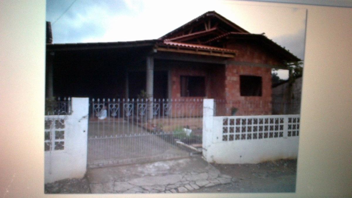 vende-se: 2 casas no mesmo terreno na cidade de joinville-s
