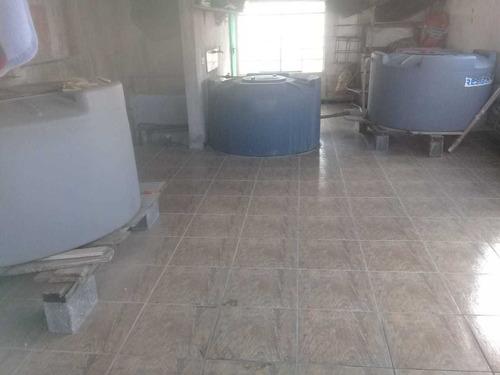 vende-se 3 tanques de água 1000l tampa de rosca.