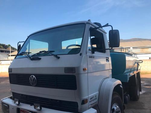 vende-se caminhão pipa em mariana mg