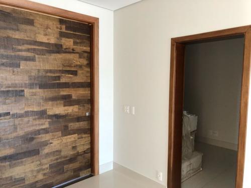 vende-se casa em condomínio fechado de alto padrão