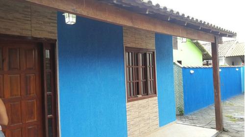 vende-se excelente casa em unamar