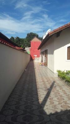 vende se linda casa no suarão itanhaém