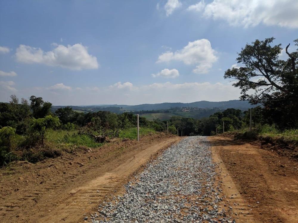 vende-se terrenos bem localizados em ibiúna no interior  b