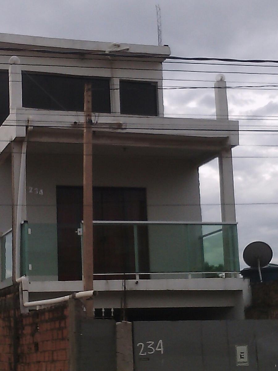 vende -se  um sobrado três pisos aceito veiculo ou caminhão