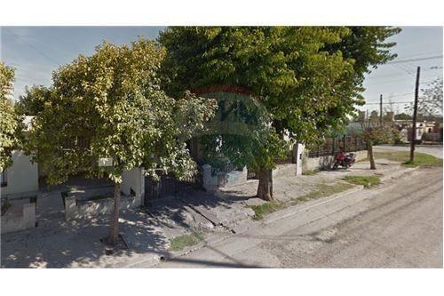 vendemos casa 2 dorm zona sur av velez sarsfield
