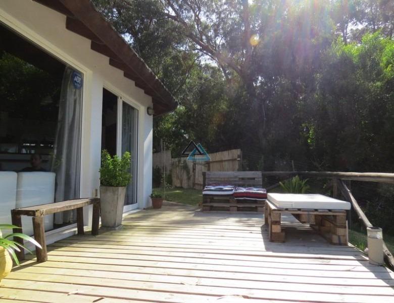 vendemos casa en ocean park , con vista al mar- ref: 35