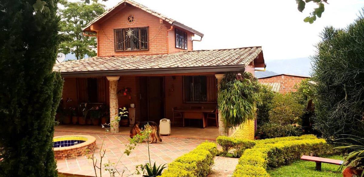 vendemos excente casa finca en san antonio de prado central