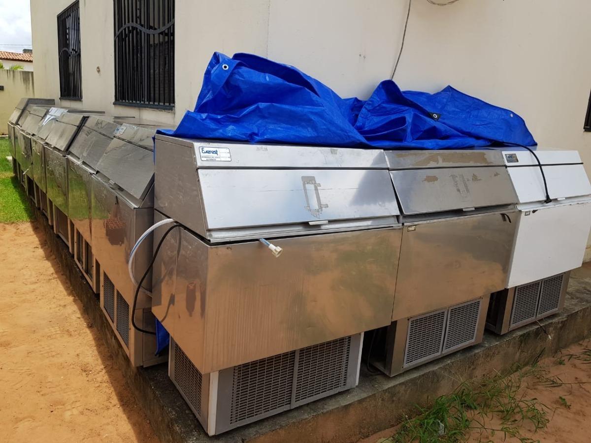 9e543cd39 vendemos máquinas de gelo cubo everest 150kg. Carregando zoom.