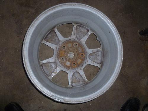 vendo 1 rines # 16 de ford  escape, año 2005 en aluminio